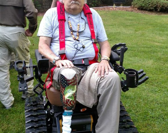 Virginia Vietnam Veteran Receives Trac Fab Chair